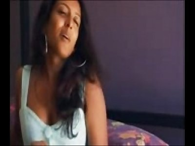 indian girl solo masturbating